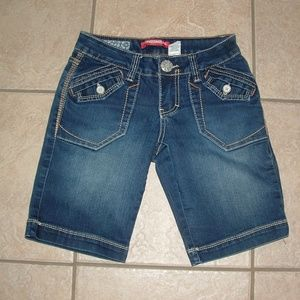 Trendy Sz 0 Blue Jean Stretchy Bermuda Shorts